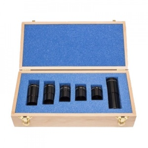 BOXED SET OF FIVE - 1.25'' PARFOCAL BRANDON OCULARS PLUS THE PARFOCAL 2.4X DAKIN BARLOW (BIRCHWOOD CASE)